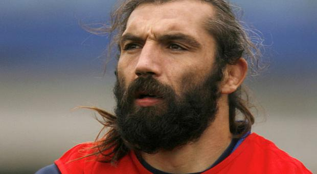 Racing Metro's Sebastien Chabal is sure to make life tough for Jamie Heaslip. Photo: Reuters
