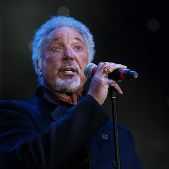 Tom Jones will play an intimate gig for Mencap