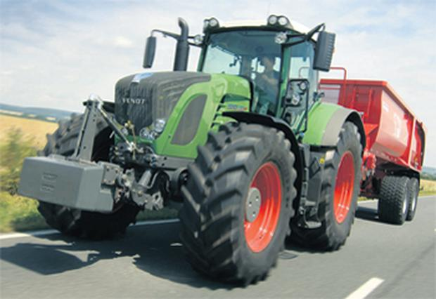 The new 390hp flagship model from Fendt, the 939 Vario, also features SCR as a method for meeting emissions targets