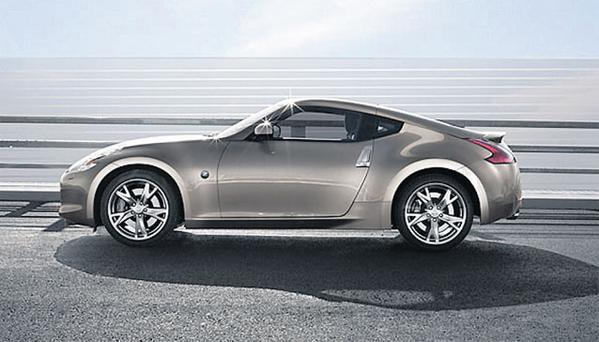 NISSAN 370Z: Despite its futuristic styling, this is a refreshingly no-nonsense sports car.
