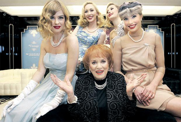 Maureen O'Hara opening the 'Princess Grace Jewellery Collection' with Nikki Bonass, January Russell, Chloe Loughnane and Heather Irvine. MARK STEDMAN/PHOTOCALL IRELAND