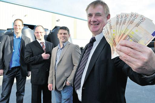 From left, Paul McCarthy, Teagasc, Brian Carty, ILDN, Peter Young, Farmers' Journal, and entrepreneur John Concannon show off some of the €40,000 prize fund for the JFC innovation awards