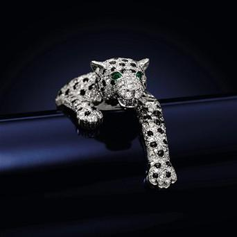 A Cartier-designed bracelet owned by Wallis Simpson has sold for a world record £4.5 million