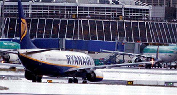 Delays and cancelations at Dublin Airport as the weather continues to wreak havoc. Photo: Kyran O'Brien
