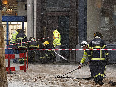 Gardai and fire crew on O'Connell Street, Dublin this afternoon outside The Kylemore Cafe after an explosion at the premises. Photo: PA