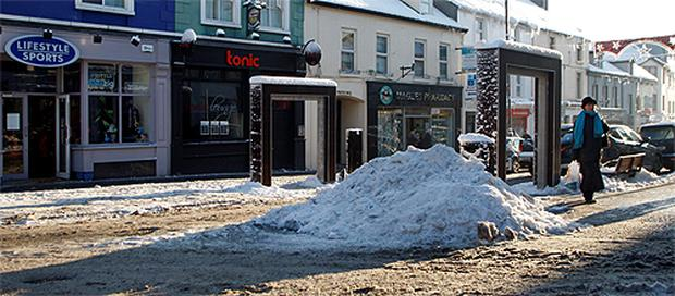 Snow and ice made life difficult for shoppers in Letterkenny, Co Donegal, at the weekend