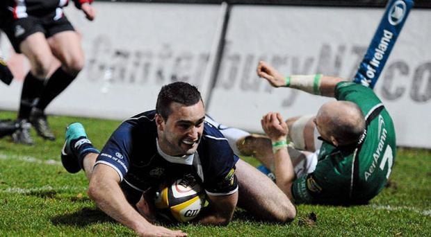 Dave Kearney scores Leinster's second try at The RDS last night. Photo: Stephen McCarthy/Sportsfile