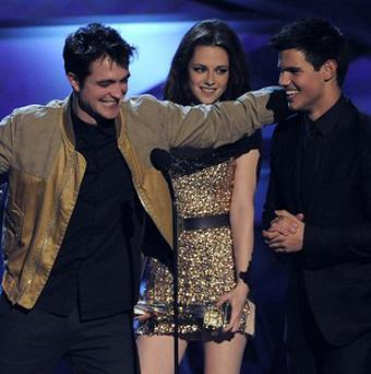 Robert Pattinson, Kristen Stewart, and Taylor Lautner were named favourite on-screen team at the People's Choice Awards