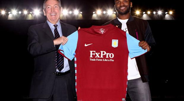 Aston Villa boss Gerrard Houllier presents new signing Darren Bent to the media last night after completing his £24m move from Sunderland. Photo: Getty Images