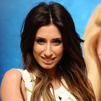 Stacey Solomon will perform a duet with Shaun Ryder at the National Television Awards, according to reports