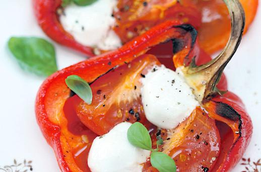 Roasted peppers with boilie cheese