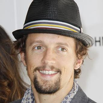 Jason Mraz says he will not wed until the law is changed in the US