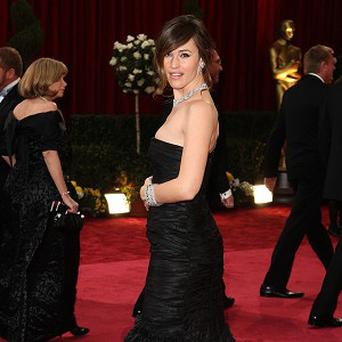 Jennifer Garner takes like cake, Russell Brand has joked