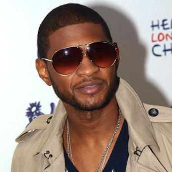 Usher paid tribute to Michael Jackson during the gig