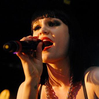 Jessie J remains at the top of charts, making it two weeks at number one