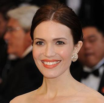 Mandy Moore is to star in supernatural drama Falling Slowly