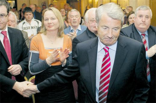Michael Lowry arriving at meeting in the Anner Hotel in Thurles last night to discuss the tribunal