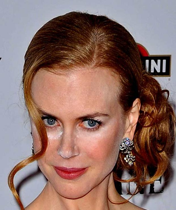 Nicole Kidman has a Bridget Jones moment with her make-up at the New York premiere of 'Nine' in 2009