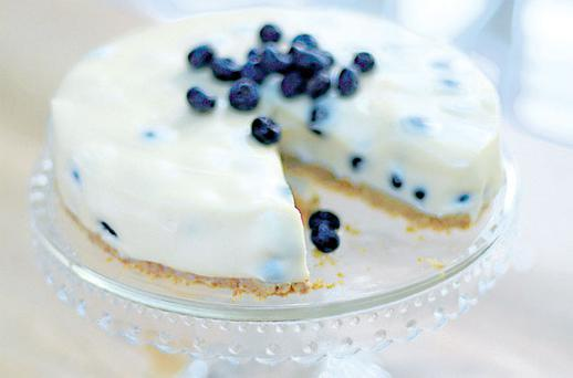 Blueberry and white-chocolate cheesecake