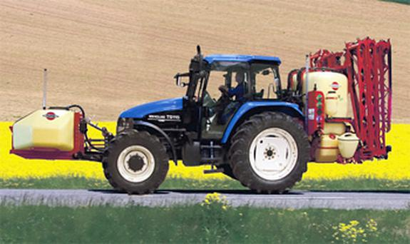 A wider 28m boom option and a 1,000-litre front tank model on the Hardi Master Plus series offer larger tank capacities