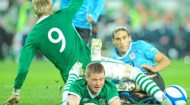 James McCarthy earns a penalty after being fouled by Martin Cacedes