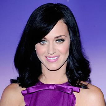 Katy Perry has been tweeting Calvin Harris about her tour