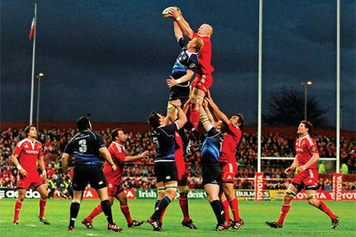 Paul O'Connell and Leo Cullen battle for possession at a line-out during Saturday's pulsating Magners League clash between Leinster and Munster.