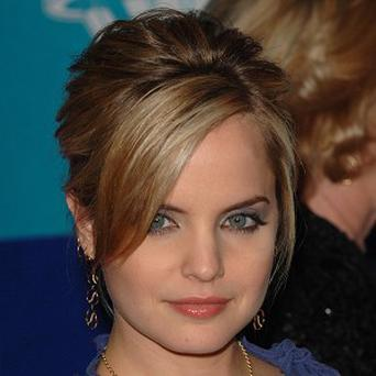 Mena Suvari has signed up for the American Pie sequel