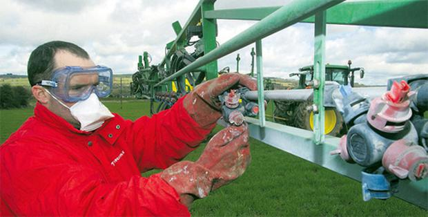 If you find more than a 10pc variation from the manufacturers' rated output in individual nozzle output across the boom when you are calibrating your sprayer, change individual nozzles