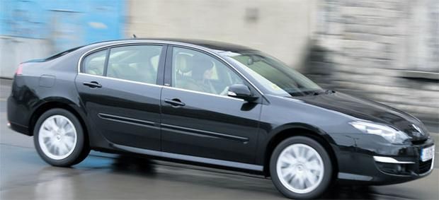 RENAULT LAGUNA 2.0 dCI: RATING 77/100