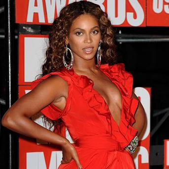 Beyonce was persuaded to perform at Glastonbury by her pal Chris Martin