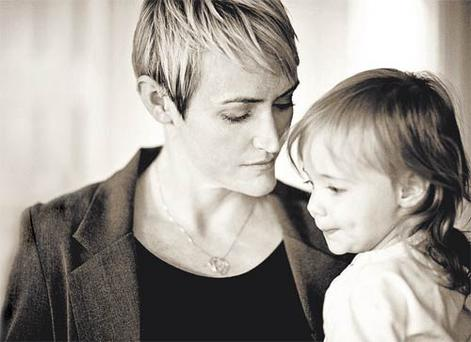 Heather Armstrong with her youngest daughter Marlo