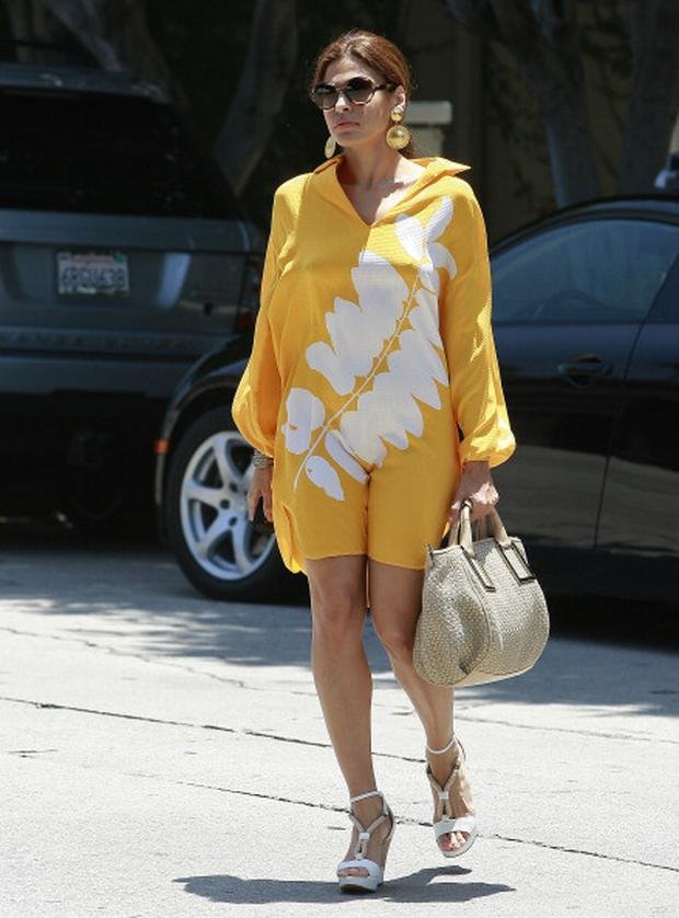 LOS ANGELES, CA - JUNE 20: Eva Mendes is seen on Melrose Ave. on June 20, 2011 in Los Angeles, California. (Photo by Jean Baptiste Lacroix/WireImage)