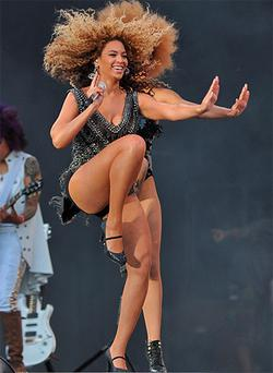 It''s an Oxegen knees-up for Beyonce. Photo: Damien Eagers