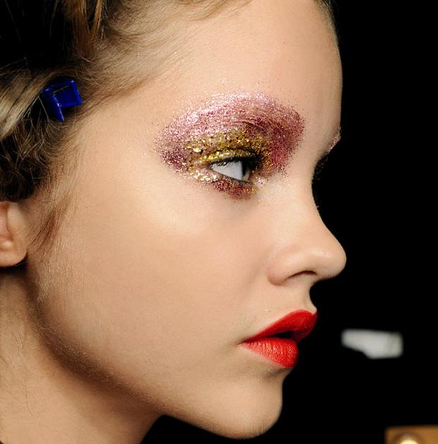 Giles SS11. Image is courtesy of MAC