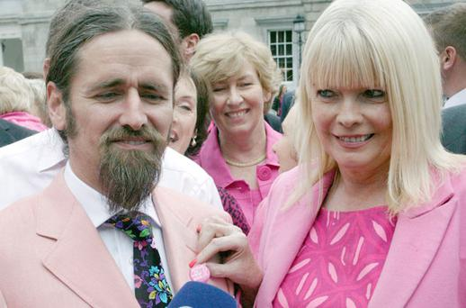 Fine Gael TD Mary Mitchell O'Connor Luke Ming Flanagan TD wearing pink during a cancer awareness initiative. Photo: Collins