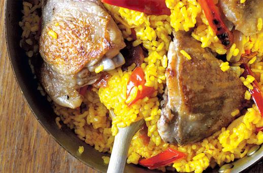 SPICY CHICKEN AND SWEET RED PEPPER PAELLA