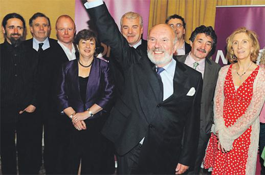 David Norris pictured with the TDs who committed to his campaign. The withdrawal of support from TDs Finian McGrath (fifth from left), Thomas Pringle (seventh from left) and John Halligan (eighth from left) yesterday did considerable damage to his campaign hopes