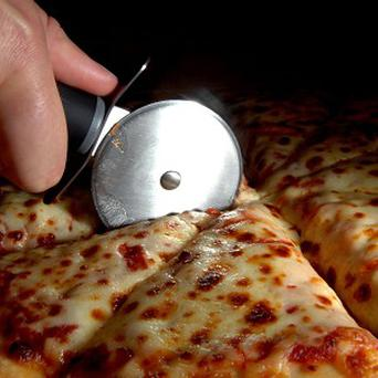 A US man has completed a 1,400 mile trip to get some pizza from a restaurant some 16 states away