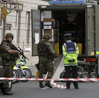 Residents evacuated after explosive device found in Dublin