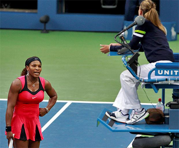 Serena Williams argues with the chair umpire