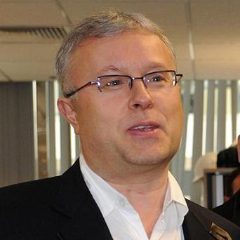 UK newspaper boss Alexander Lebedev has been involved in a scuffle on Russian television
