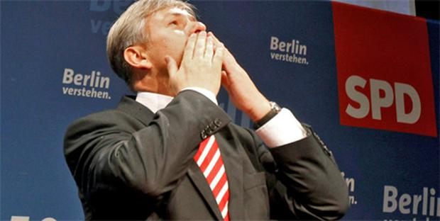 Klaus Wowereit celebrates his victory for the SPD in Berlin