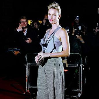 Charlize Theron is in talks to work on a crime thriller