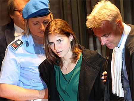 Amanda Knox arriving in court for her appeal trial session in Perugia