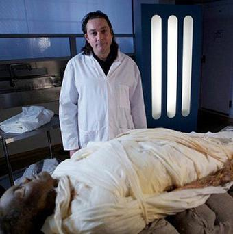 Dr Stephen Buckley tried out the mummification process