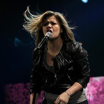 Kelly Clarkson prefers to record without Auto-Tune