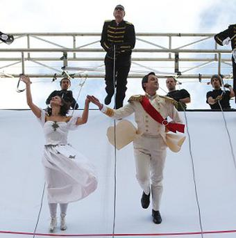 Couples danced on a vertical wall in Trafalgar Square