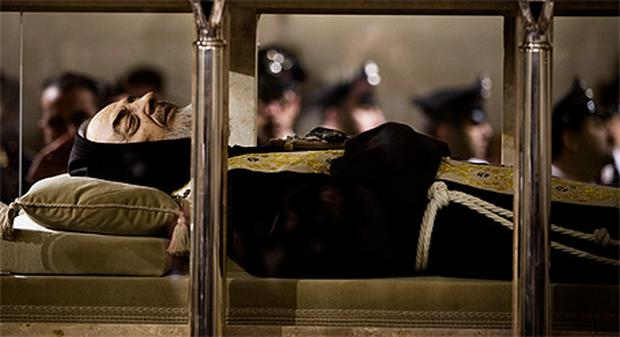 The body of Padre Pio on display back in 2008. Photo: Getty Images