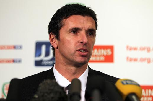 Gary Speed, the manager of the Welsh soccer team, has died at the age of 42.